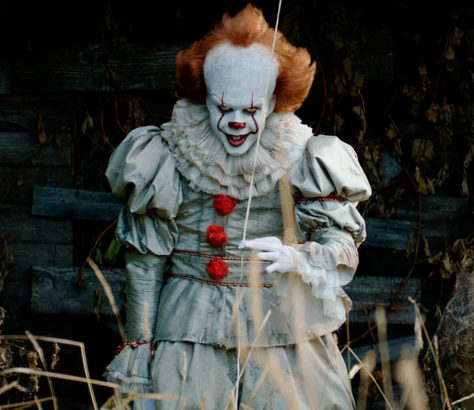 A group of children come face-to-face with a maniacal clown in 'It', a new adaptation of Stephen King's beloved novel from director Andrés Muschietti.
