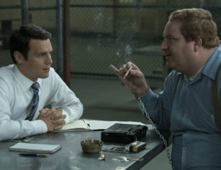 David Fincher teases us with more details on the second season of Netflix's serial killer thriller series 'Mindhunter'. Grab the scoop.