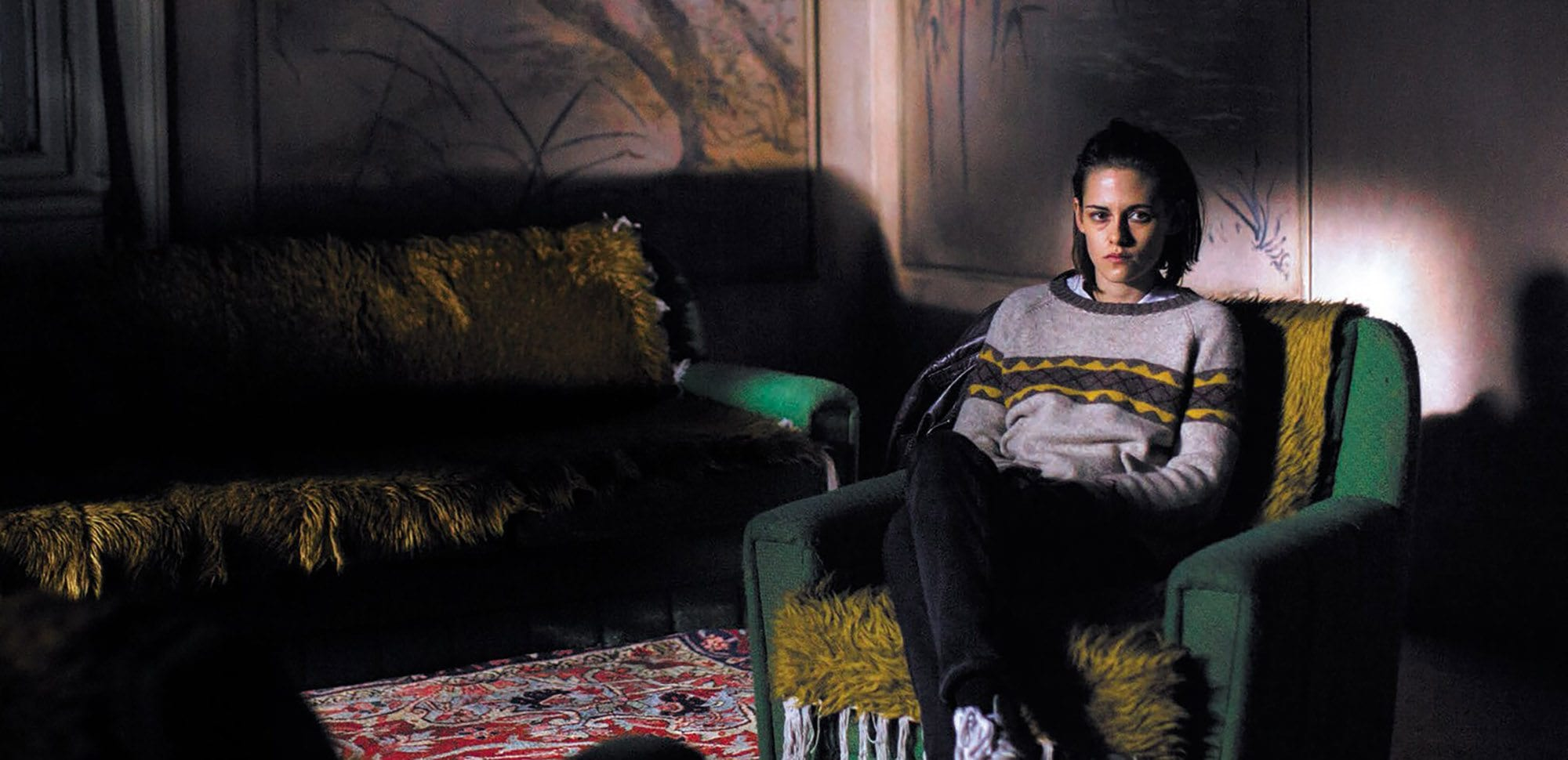 It's been a couple years since 'Personal Shopper' came out and we're still not over it. Here are the reasons why this mysterious ghost thriller is the best.