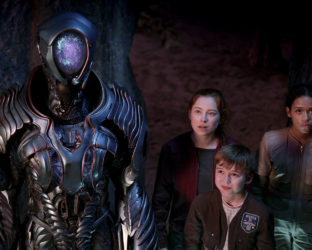 Netflix had the opportunity to make a giant leap with the 'Lost in Space' remake. Playing off the campy 60s sci-fi classic, the show promised to offer a 21st century update on Irwin Allen's atmospheric vision.