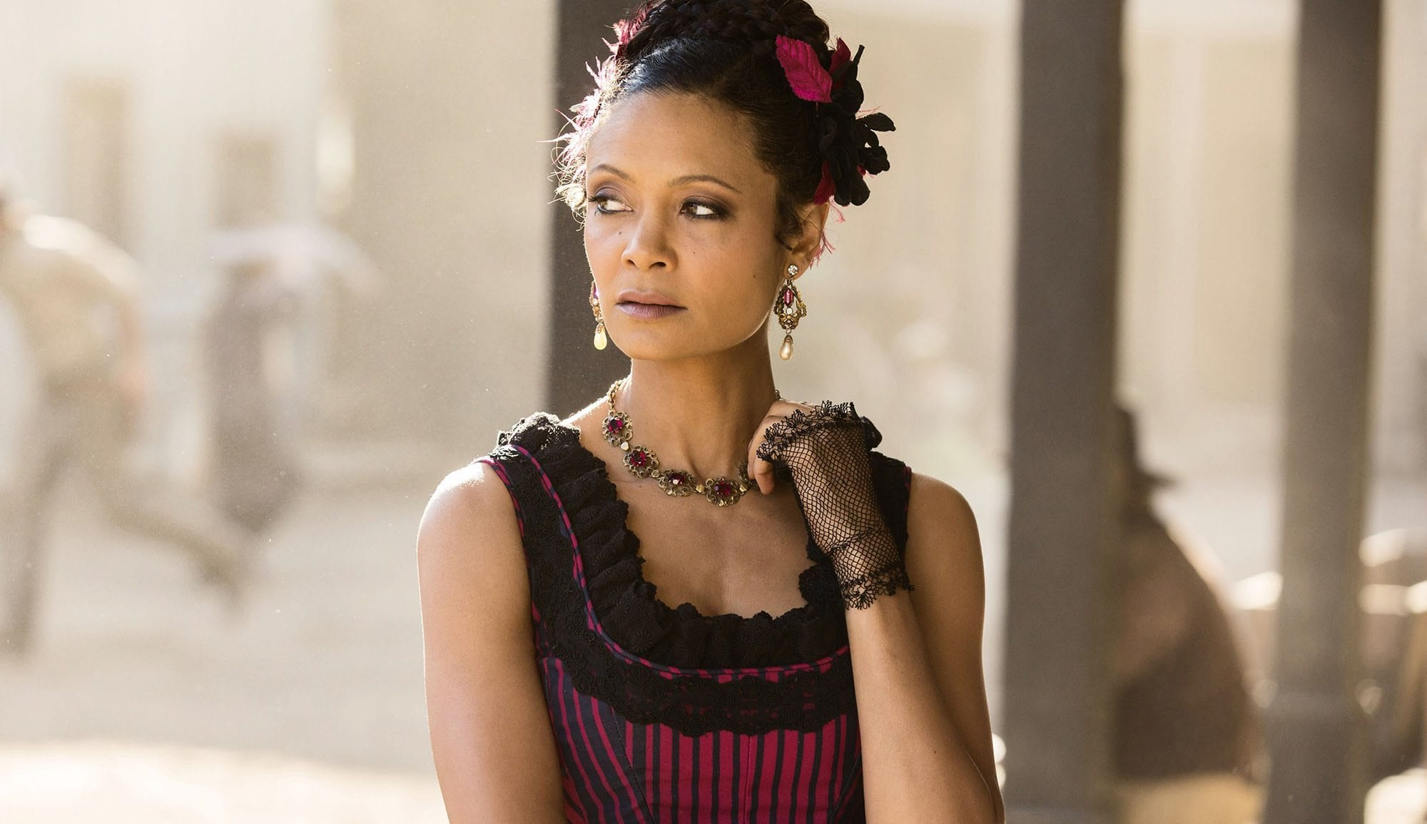 'Westworld' is back and the women of Sweetwater mean serious business. In the first episode of S2, we saw homely cowgirl Delores (Evan Rachel Wood) packing some heavy artillery and waging a war for her autonomy, while former prostitute Maeve (Thandie Newton) raises hell for the same battle.