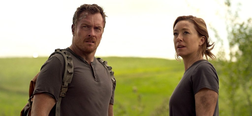 Molly Parker and Toby Stephens in 'Lost in Space'