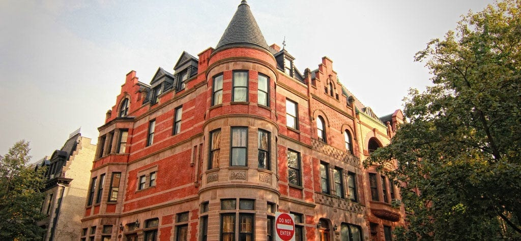Narrate your family history outside the Tenenbaum house from 'The Royal Tenenbaums'