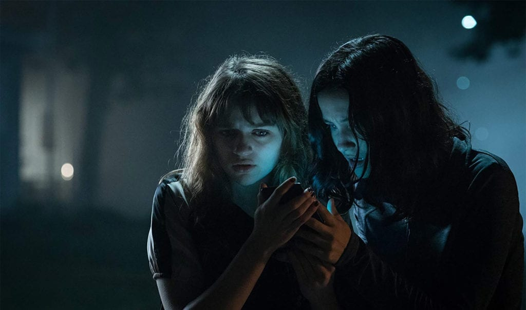 A group of friends performs a ritual in an attempt to debunk the lore of Slender Man. When one of them goes missing, they suspect she's his latest victim.