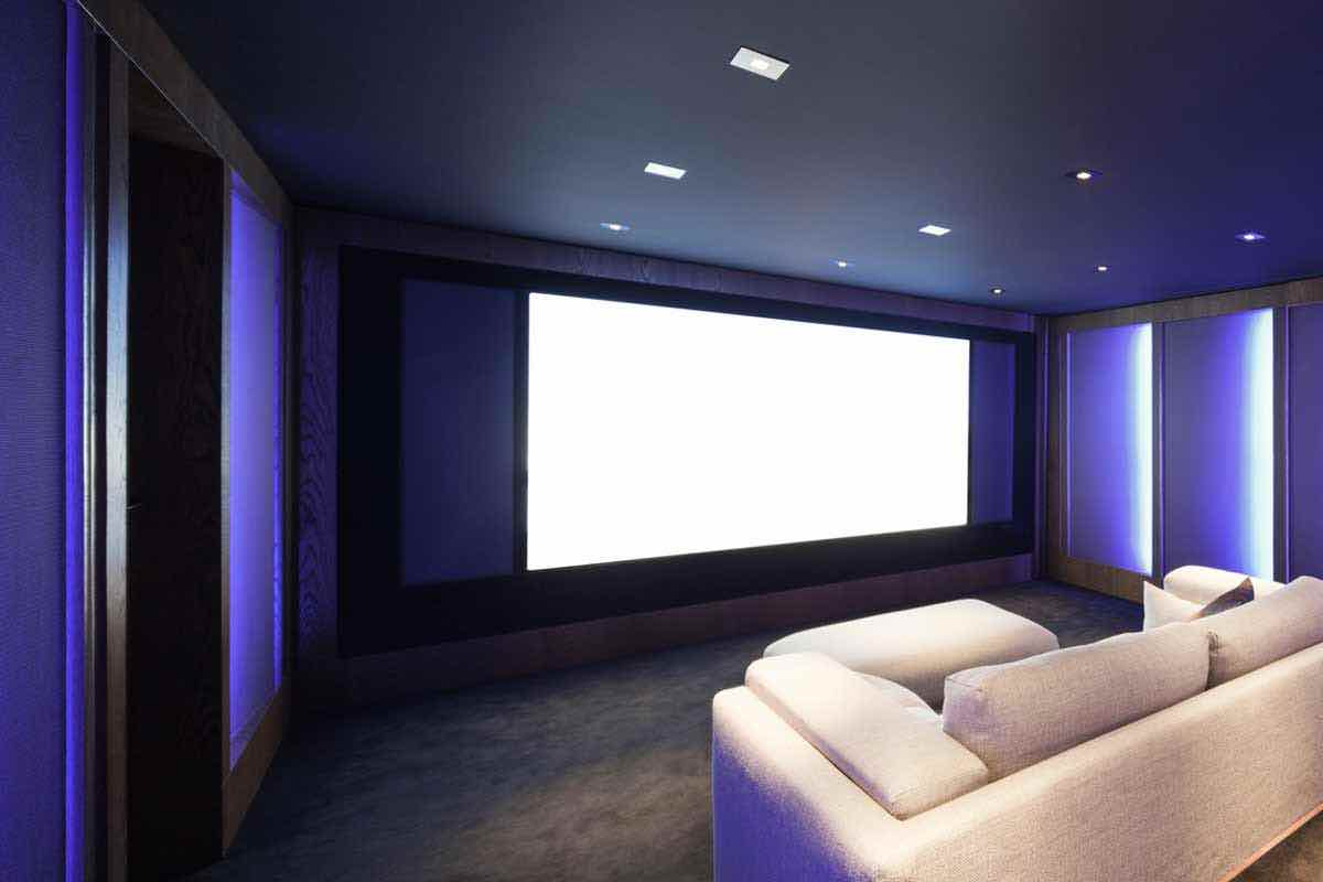 What S The Difference Home Vs Movie Theater Projectors Film Daily