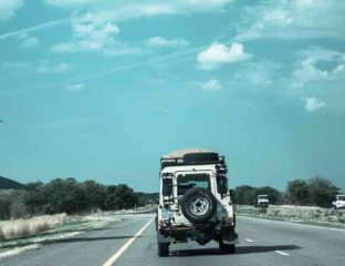 What films make you want to go on a road trip? We've collected 7 motivating films about car travels in various parts of the world especially for you.