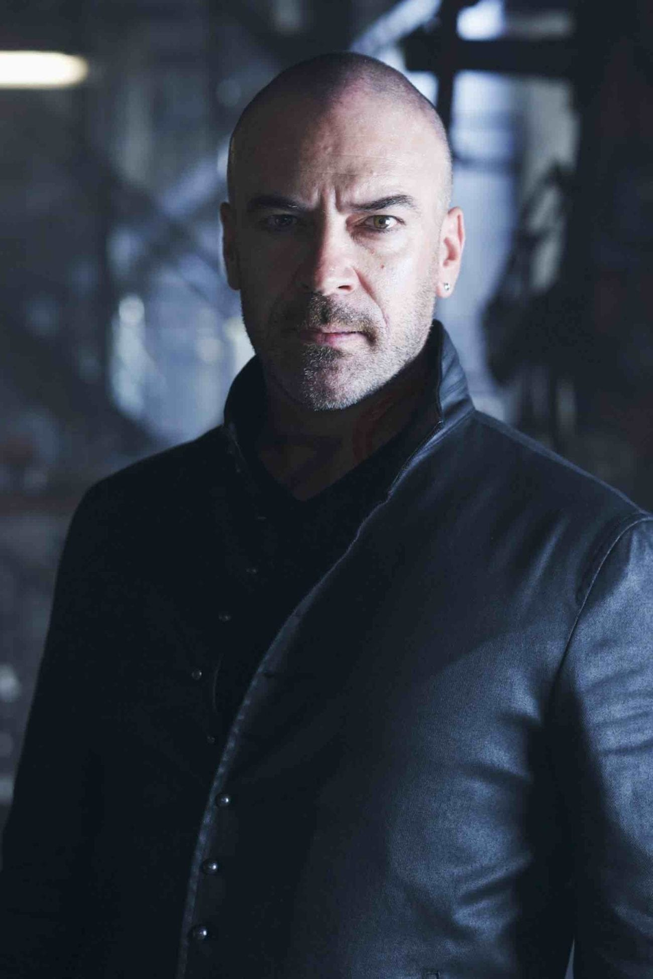 We sat down Alan Van Sprang to talk 'Shadowhunters', the upcoming convention, and get to know a little bit about his life as an actor.