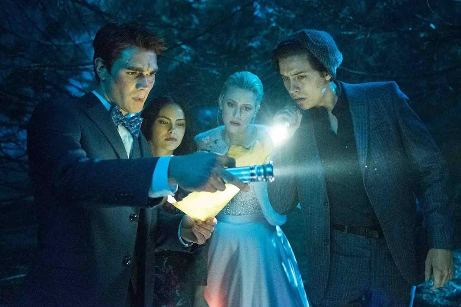 Who From The Riverdale Cast Has Got Coronavirus Film Daily