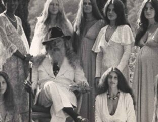 Let's look at some cult leaders with the personality to influence thousands of followers. Here are the craziest cult leaders out there.
