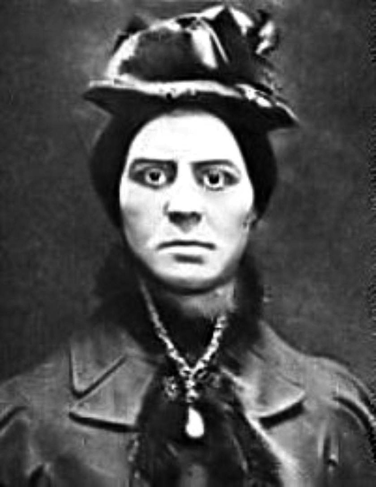 Throughout history serial killers have tormented us all throughout history. Here's just a slither of the true crime mysteries during Victorian times.