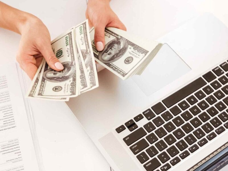Are you looking for a sustainable approach to fast cash? Nowadays, there are hundreds of ways to make money online than before. Here's how.