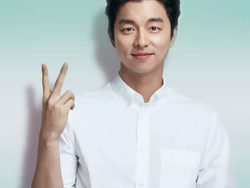 Gong Yoo reached a high in his career after playing his role in 'Coffee Prince'. Here's why you should pay attention to the leading man Gong Yoo.