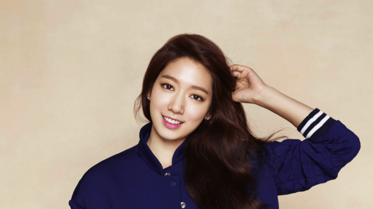 Park Shin-hye, also known as Bak Sin Hye, is one of the most prolific and popular K-drama actresses. Here's why you should know about her.