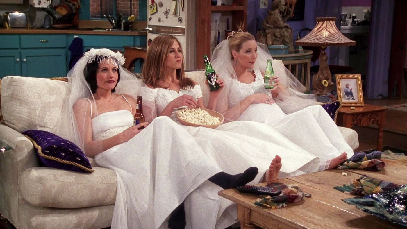 Are you the ultimate 'Friends' fan? Do you know everything about Ross & Rachel, and Monica & Chandler? Take this quiz and find out!