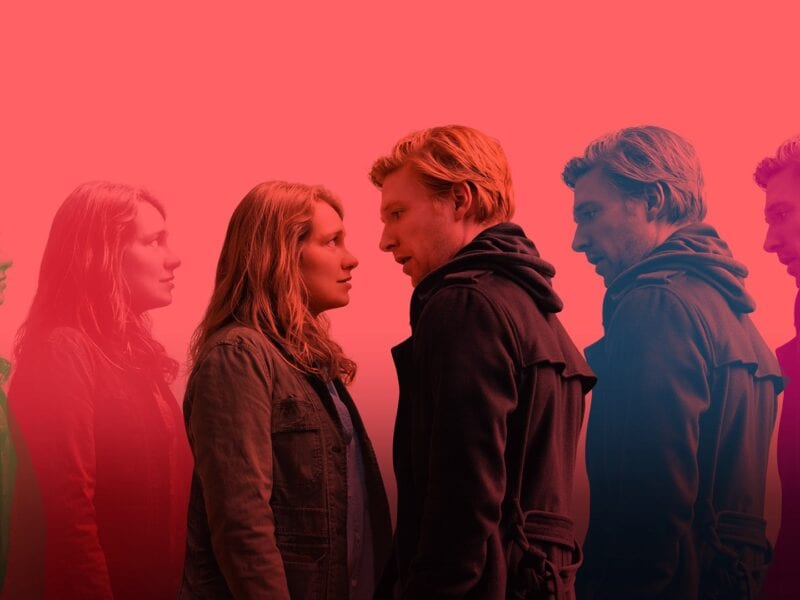 'Run' on HBO is a thrilling, sexy, and well written series which will have you wanting more. Here's why you will want to binge 'Run'.