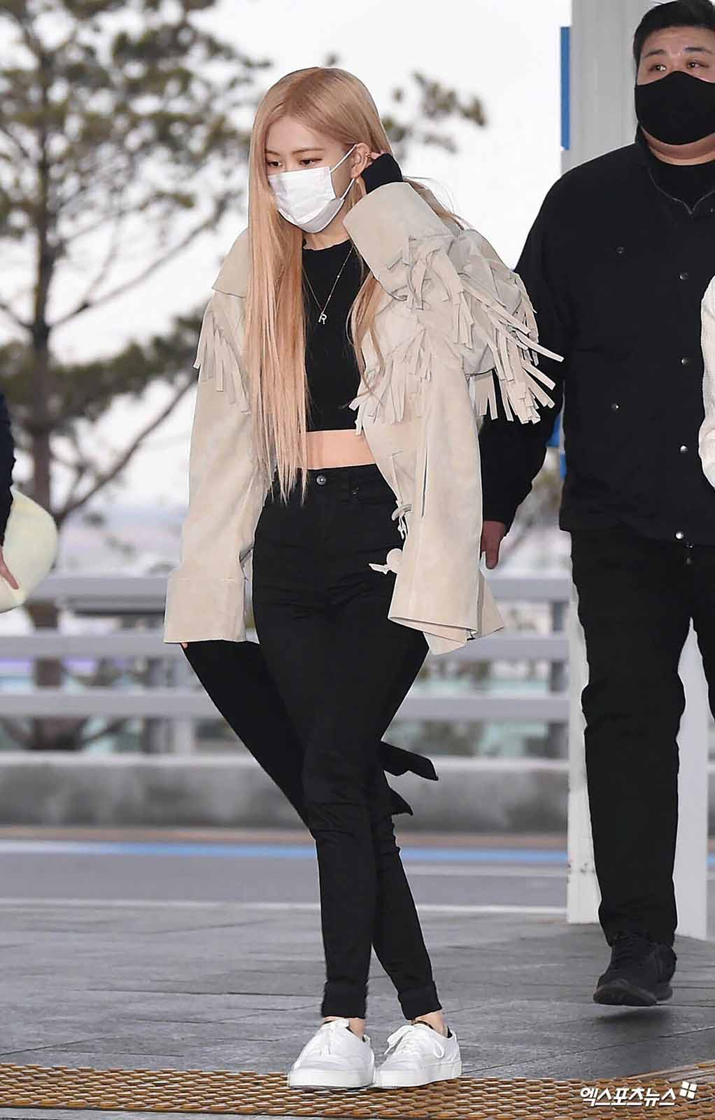 Blackpink The Reasons Rose Lisa Jisoo And Jennie Are Our Style Icons Film Daily