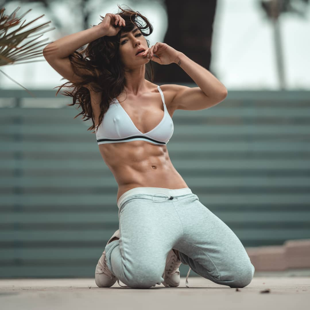 Working her way into the industry, fitness model Eliza Watson has seen what poor mental health can do first hand, and wants to help those struggling.