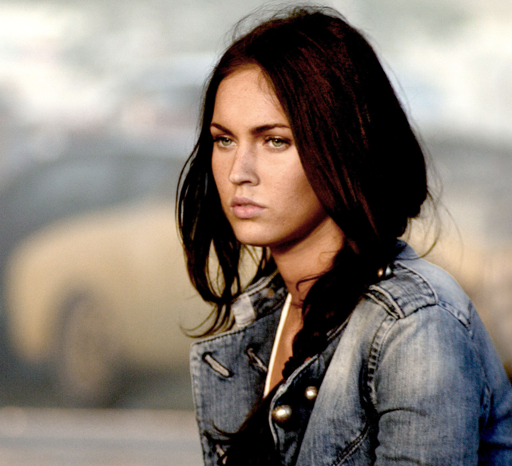Did the sexualization of Megan Fox in 'Transformers' derail her career? – Film Daily