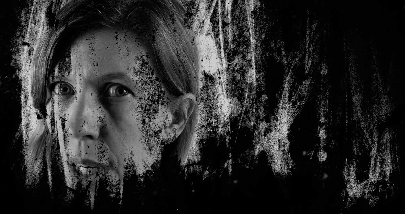 Director Alberto Martín-Aragón has made a name for himself with experimental black and white short films, and he continues his streak with 'Collapse'.