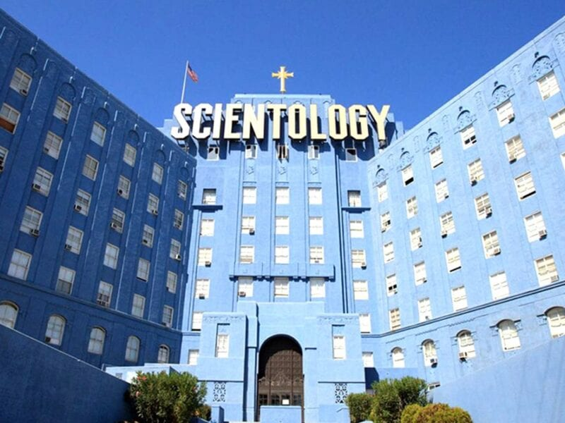 Elisabeth Moss maintains that Scientology is the reason for their happiness & success. Here are well-known Scientologist celebrities.