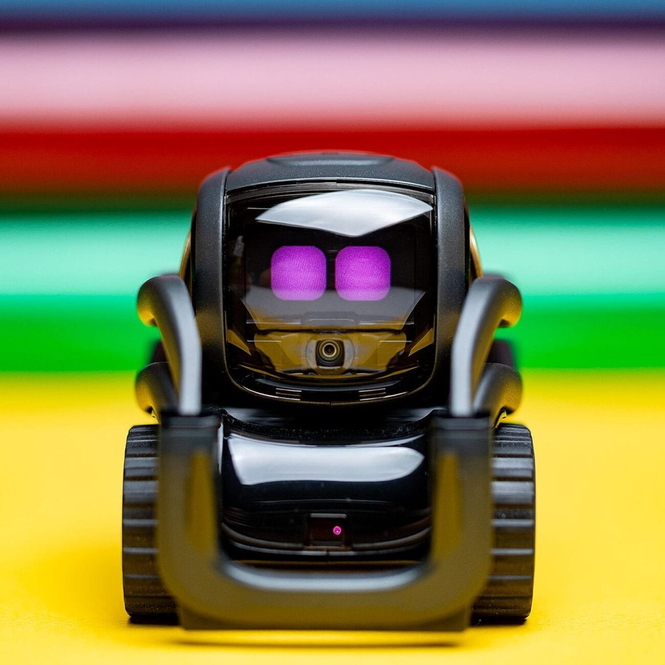 It's as if we are living in one of those sci-fi movies. Here are some real life robots that act as assistants in your home. Here's what we know.