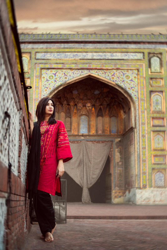 Indie director Ayesha Baig has always been able telling important and inspirational stories, and she continues to do so with 'Sheru'.