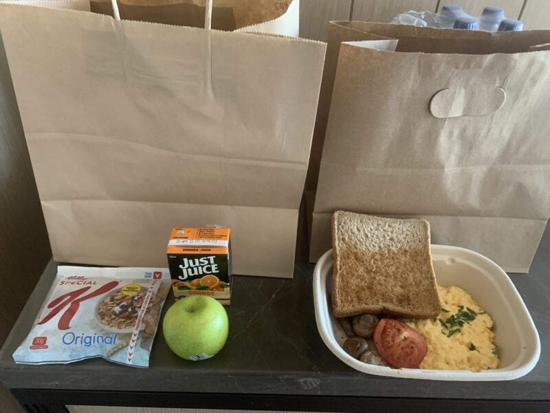 Some returning colleges are giving their students the saddest meals ever seen. This food is so bad you'd believe it came from Fyre Fest.