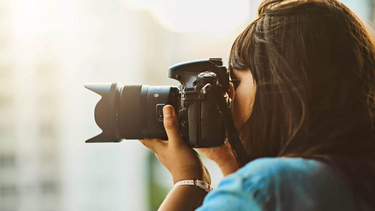 Considering buying yourself a DSLR camera? There are five important things to consider while making your final choice.