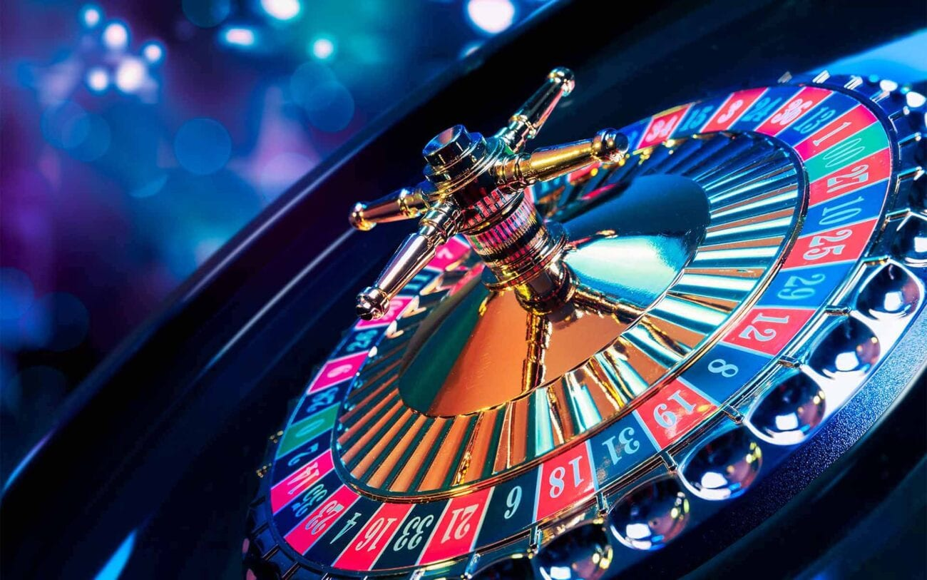Playing live roulette has been started for several years now to create the real casino feeling on your screen. Here's our guide.
