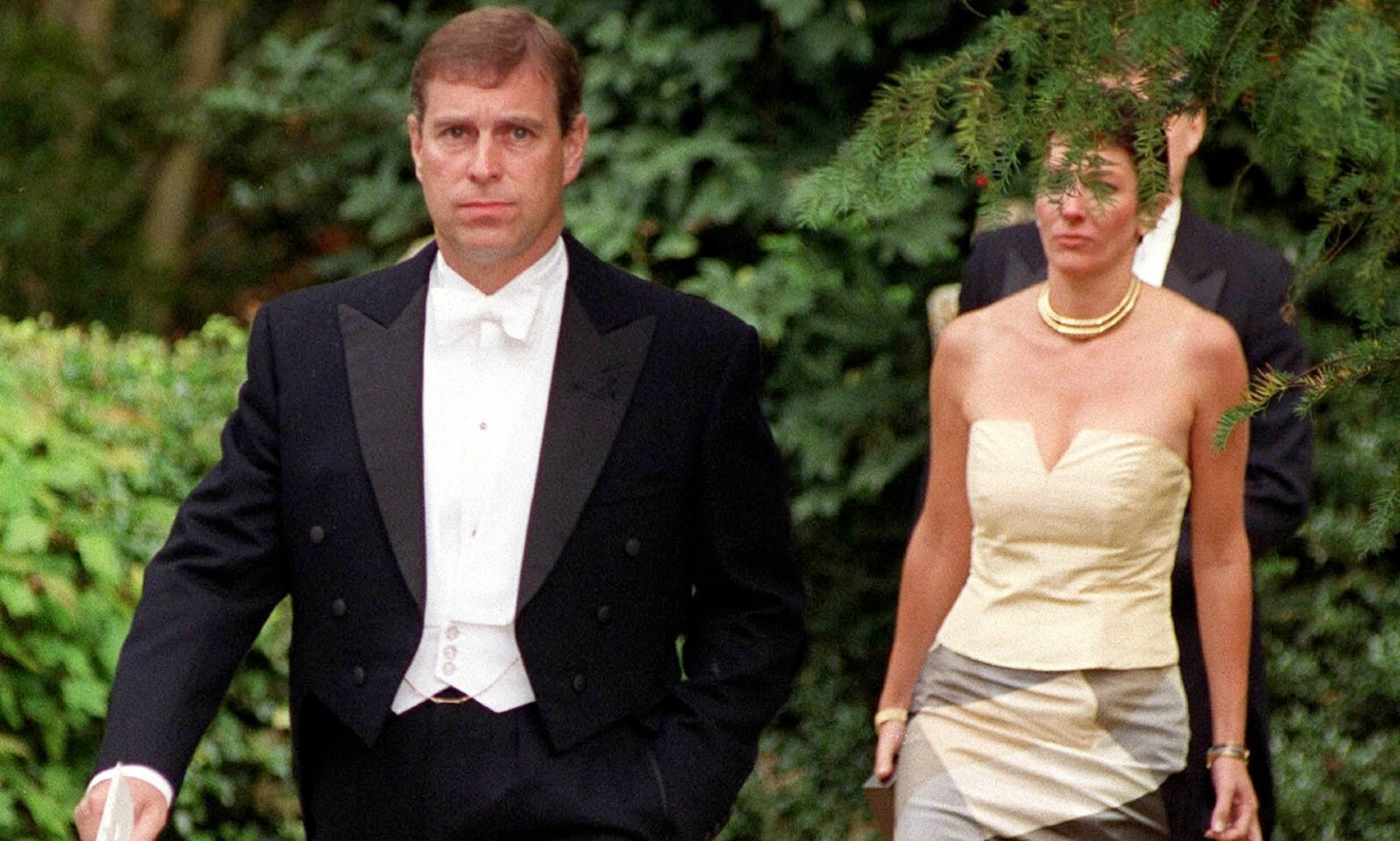 A former aquantience of socialite Ghislaine Maxwell says she'll do anything to not sell out The UK's Prince Andrew, Duke of York.