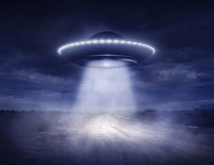 Have extraterrestrials made contact with Earth already? The latest UFO sighting comes to us from the UK where alien hunters captured a promising UFO video.