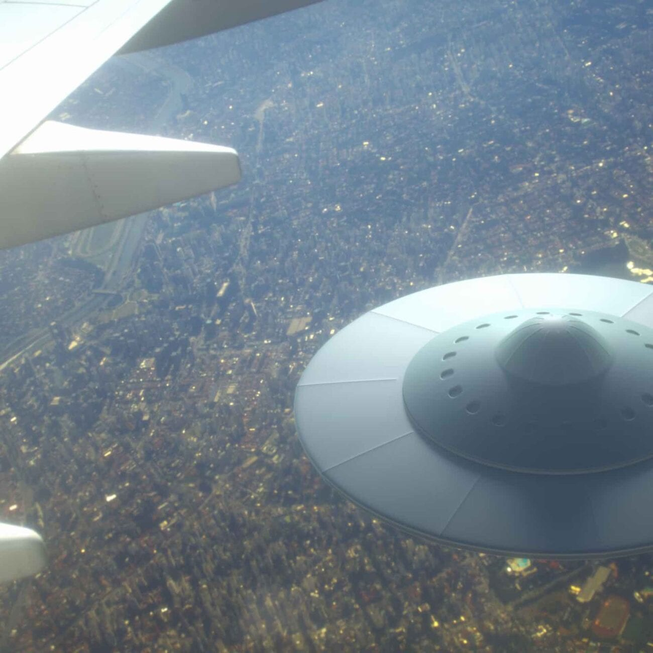 Thse crazy UFO sightings in the United States will have you wondering if maybe there really are aliens visiting our planet.