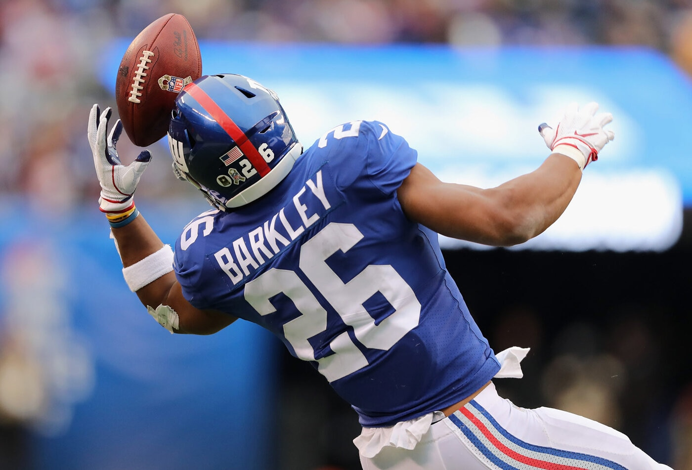 The New York Giants had an abysmal season opener against the Pittsburgh Steelers, and the stats are pointing out Saquon Barkley is the weak link.