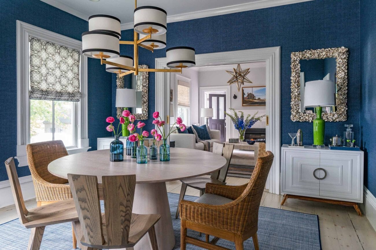 Even your dining room deserves to be decorated to the nines. Here's some great decorating ideas to help improve your eating space.