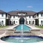 The wealthy and famous have many choices about where to spend their time, Rusty Tweed made a list of the most amazing celebrity homes.