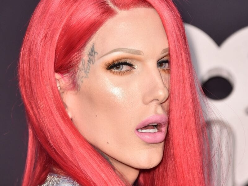 YouTuber & beauty guru Jeffree Star has created a contest on his Twitter for three lucky fans to win $10,000. Could this all be a bribe?