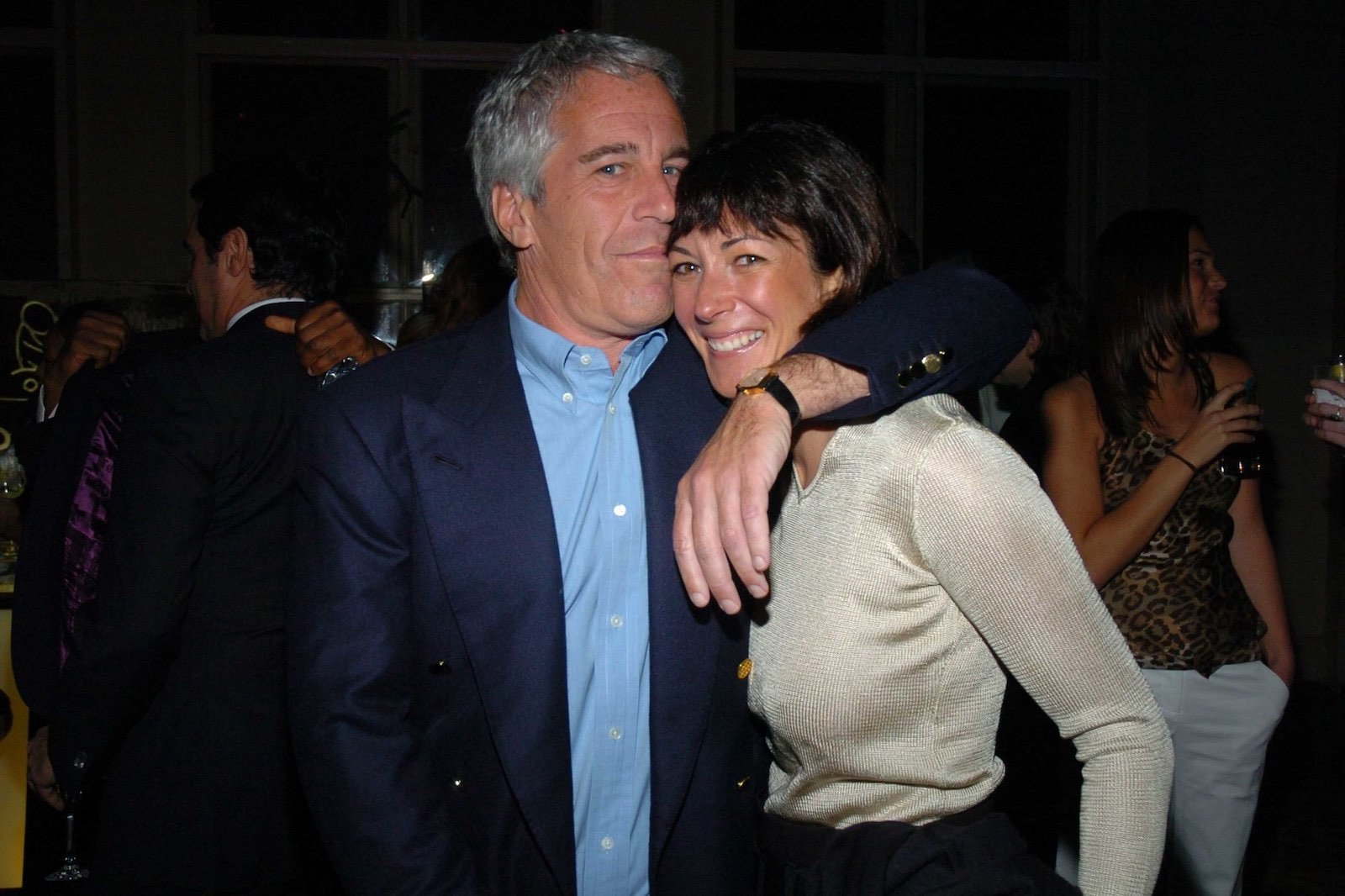 Ghislaine Maxwell urges US  appeals court to keep damaging deposition secret class=