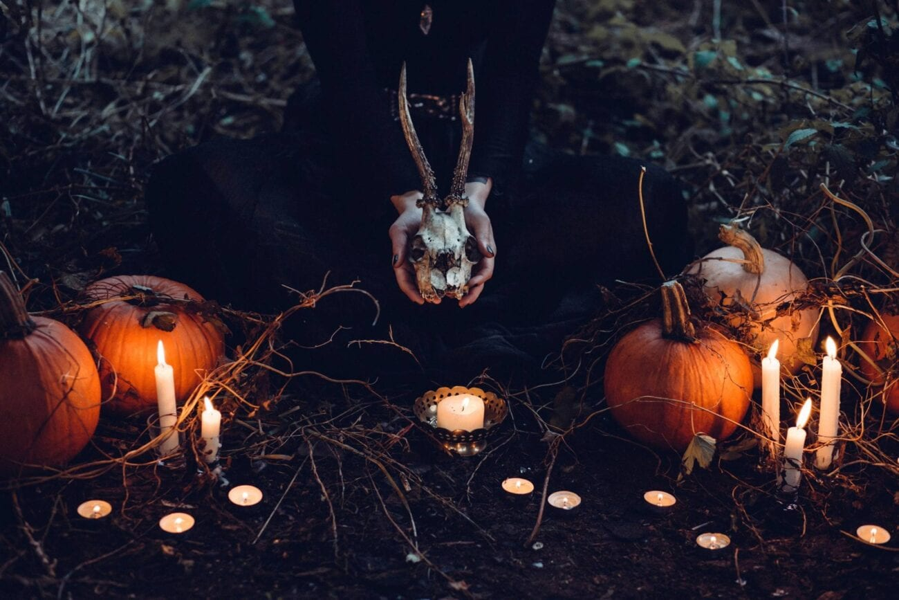 Do you love ghost stories, campfire tales, and haunted houses? Check out these excellent horror podcasts to get your spook on.