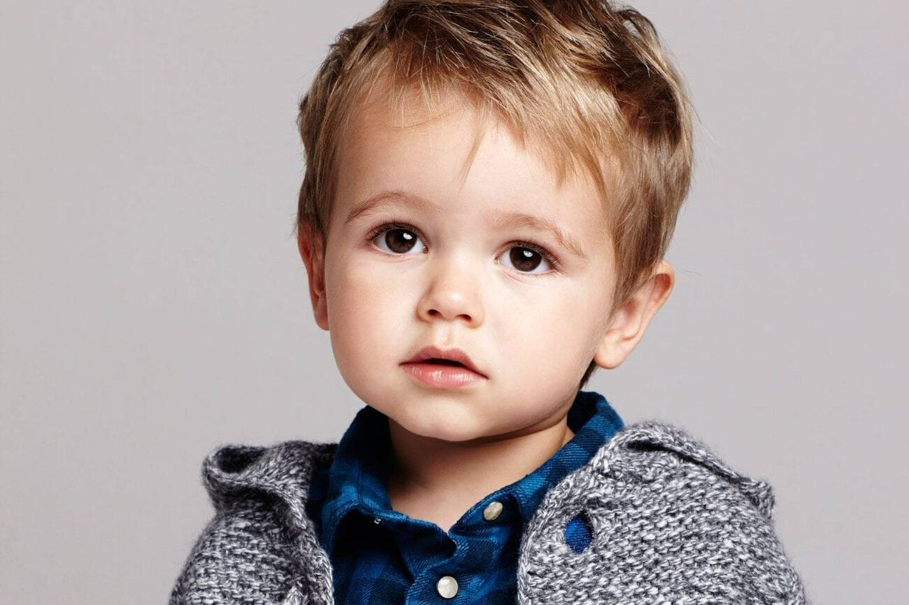 Does your toddler need clothes? Check out the 2020-2021 fashion trends for toddler boys' clothing.