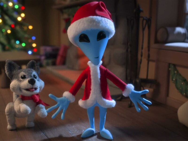 A strange title called 'Alien Xmas' made in full stop-motion was released on Netflix. Here's what you can expect from the Christmas movie.