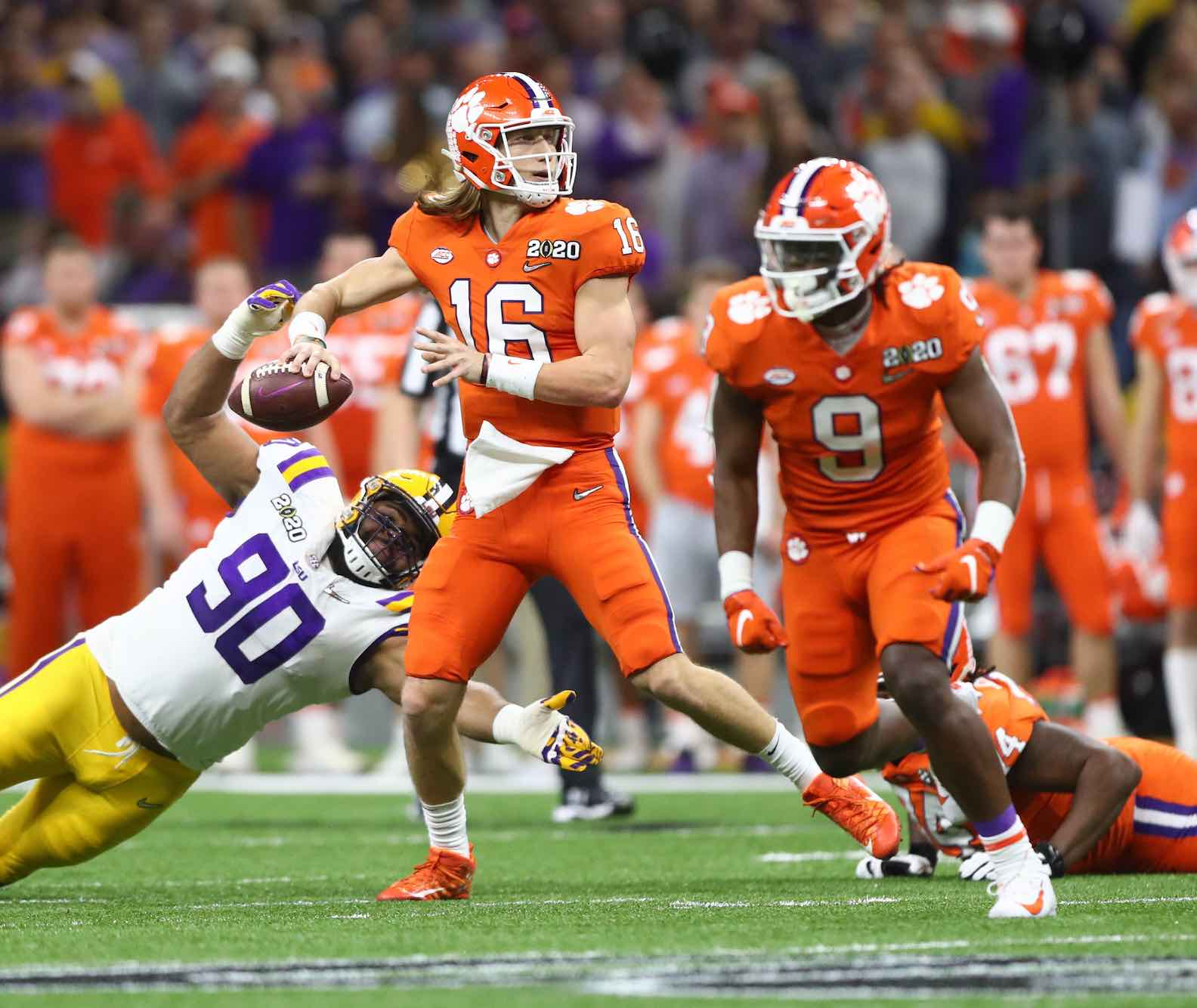 The Notre Dame vs Clemson game is easily the biggest Pac-12 game in week 10. Read more here on how to watch the game.