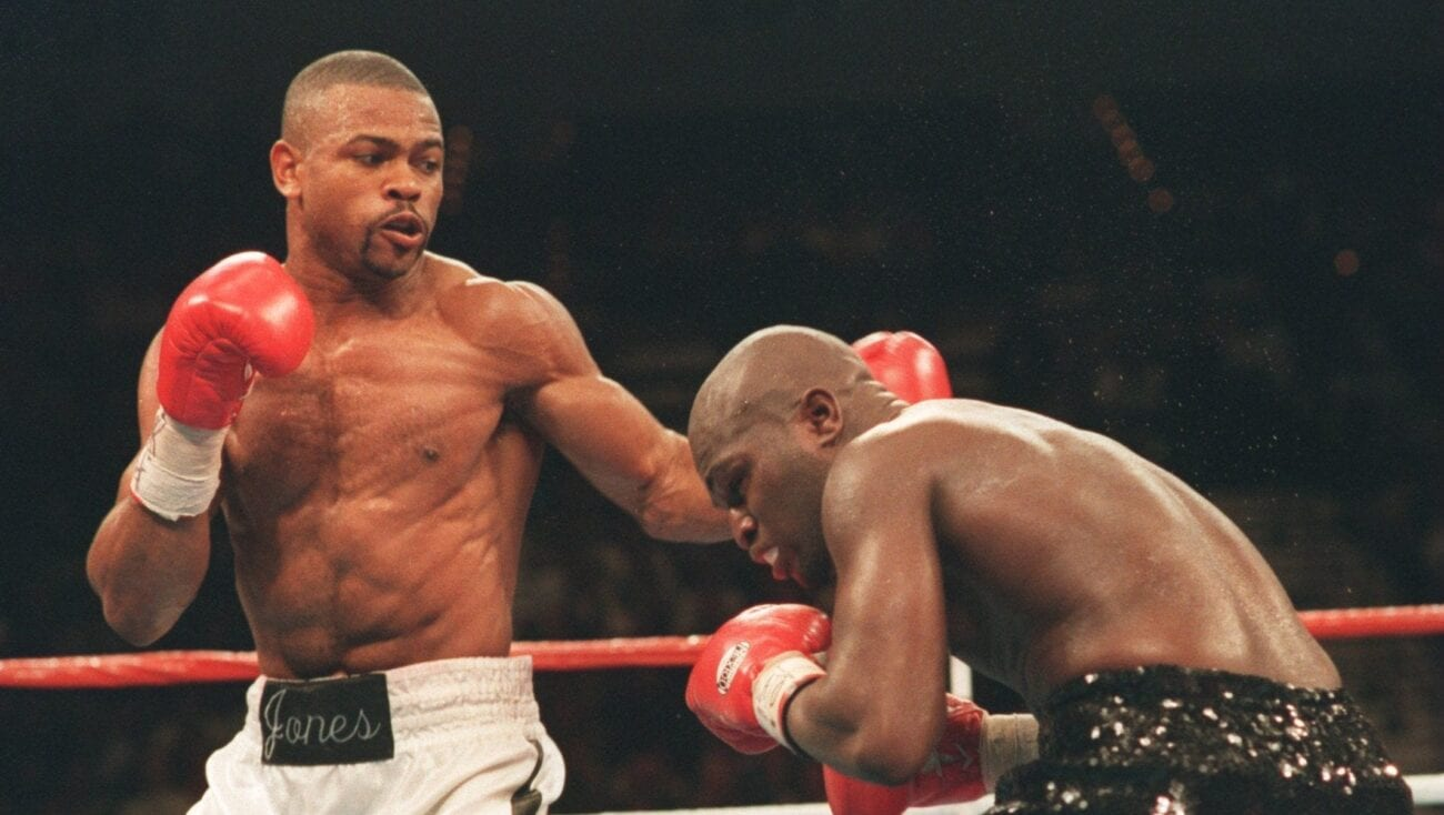 The famous Mike Tyson & Roy Jones Jr. faced off in an epic match. How did Jones come so close to beating his notorious opponent? Let's take a look.