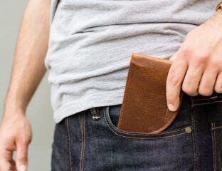Want to shop for men's accessories, but are unsure? Before you buy a best front pocket wallet, you need to read this.
