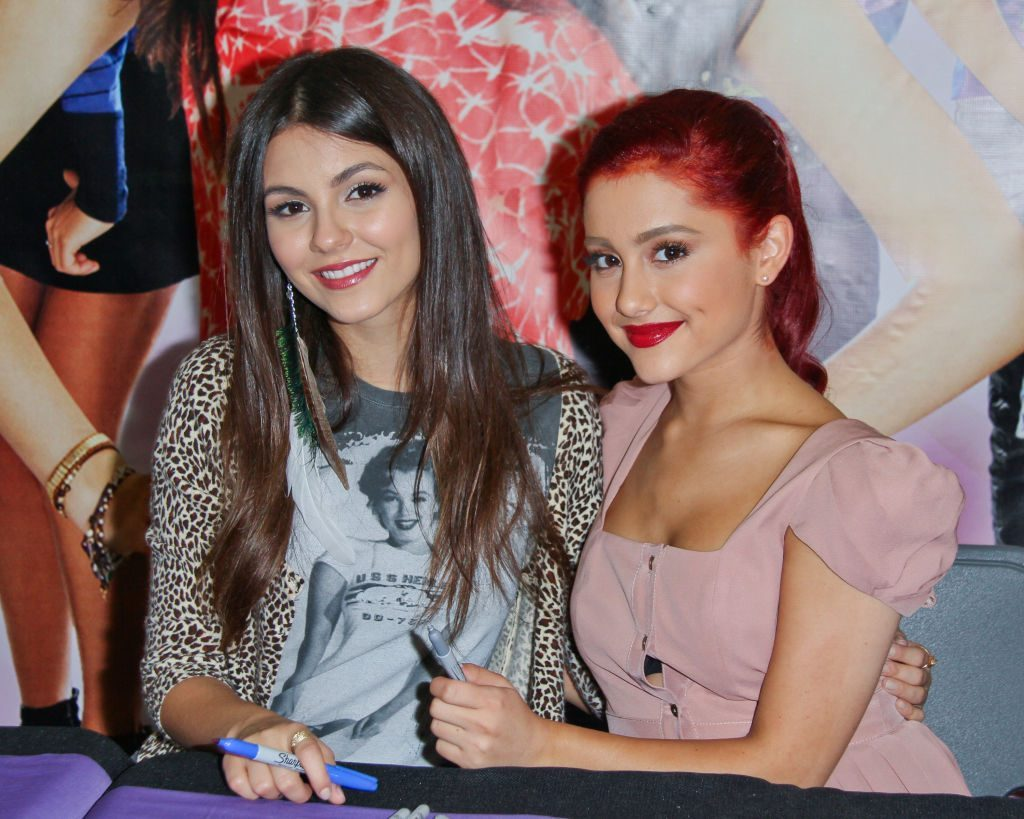 """Fans of Nickelodeon's 'Victorious' are beginning to """"freak the freak out"""". What's happening with Victoria Justice and Ariana Grande?"""