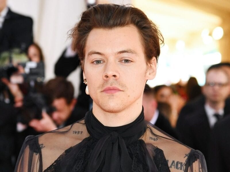 "Fox News host Raymond Arroyo is hating on Harry Styles's ""gender-bending"" fashion, and the internet is breaking. Here's the latest news on the controversy."