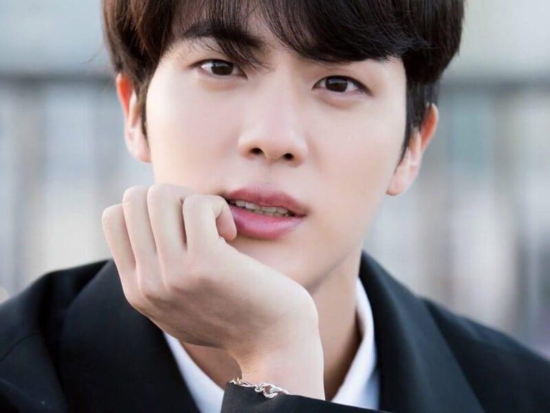 ¡Es el cumpleaños de Jin y de regalo puede que no tenga que hacer servicio militar pronto! Entérate sobre la ley BTS que acaba de aprobarse.
