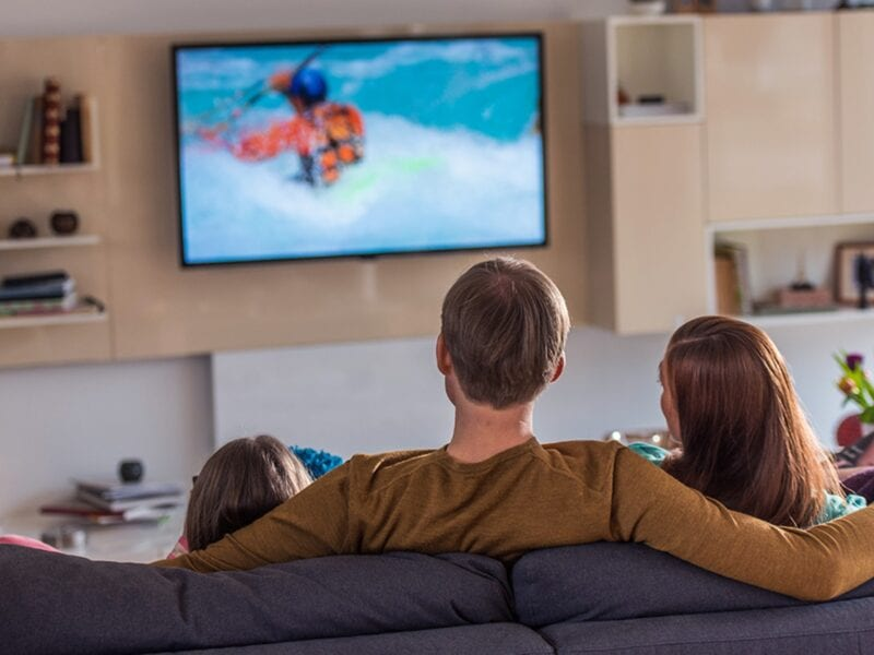 Bored and broke while cooped up in quarantine? Forget about your paid subscriptions and discover how you can watch the best TV shows for free online.