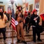 En un hecho histórico, manifestantes ingresan al capitolio. Descubre qué pasó en las protestas de hoy en Estados Unidos.