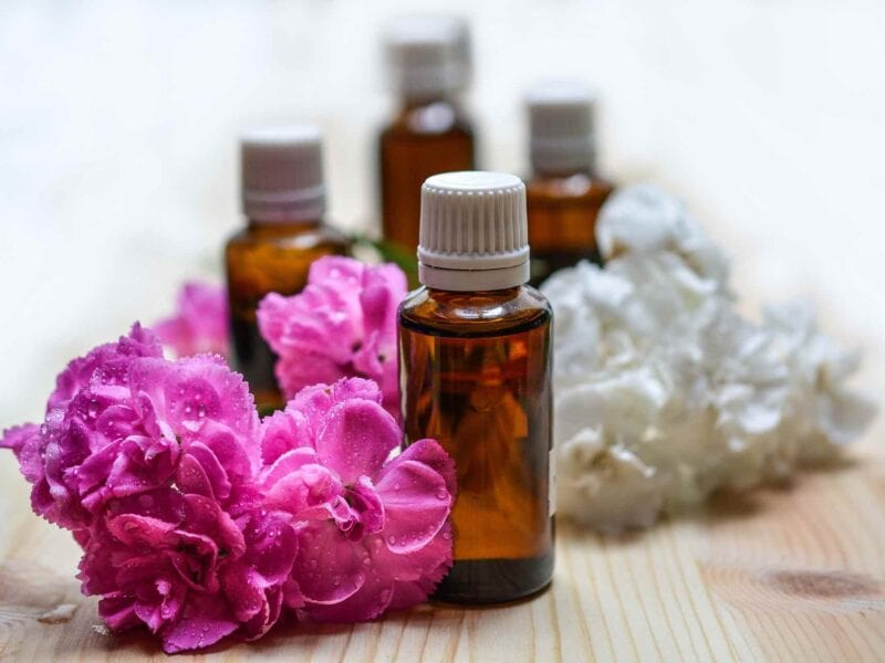 Is your new year's revolution to work on yourself? Have you tried reducing stress with essential oils? Here is everything about how to use essential oils.