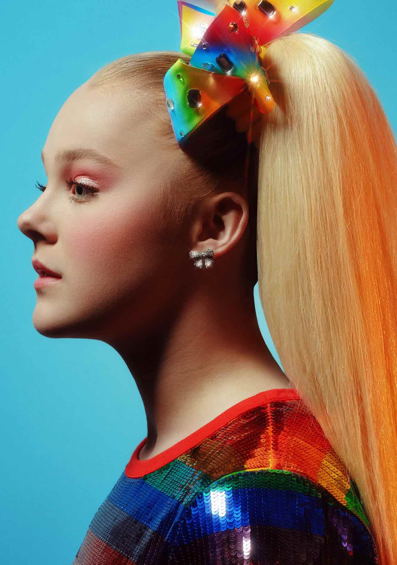 Former 'Dance Mom' star JoJo Siwa has recently shared on TikTok she's gay, a proud member of the LGBTQ community. Let's dive in.